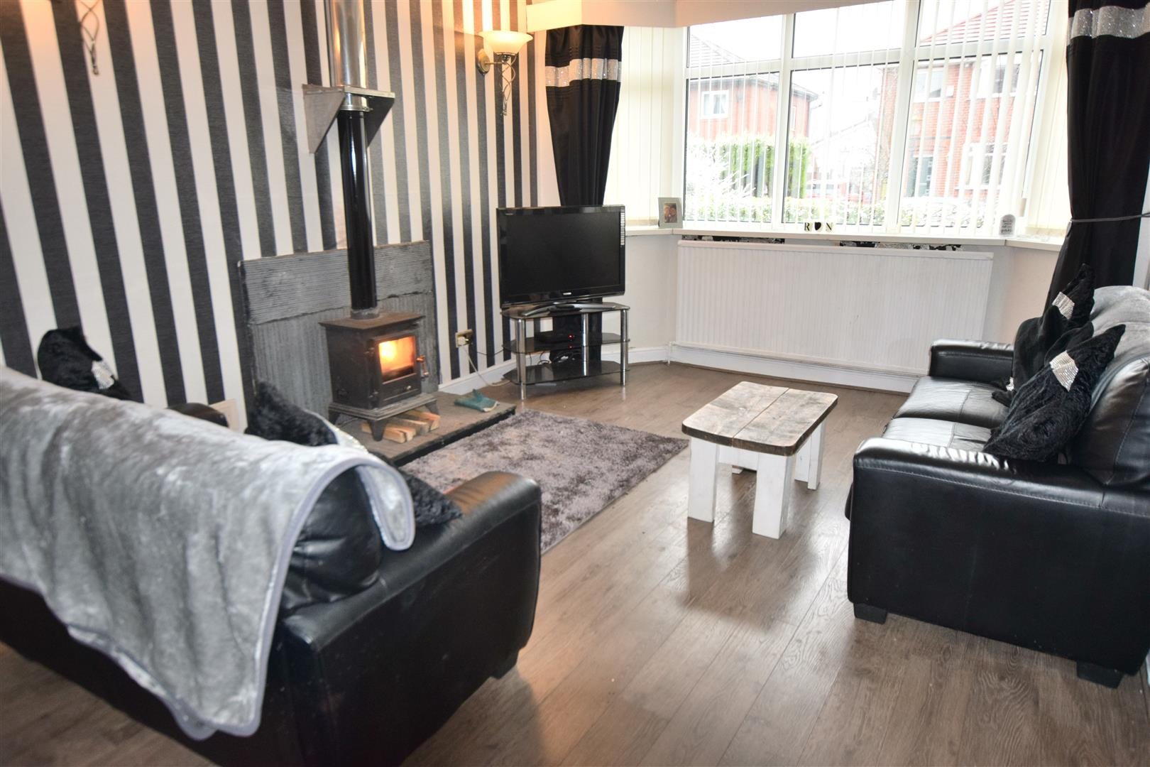 3 Bedrooms House for sale in Cumberland Avenue, Heywood